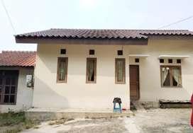 Rumah Murah 2 Rumah halaman luas,  plus kolam ikan 400 m Cibubur