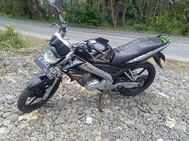 Yamaha vixion  tinggal gas