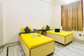 Fully furnished Girls only homes in SFS mansarovar