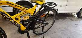 Well maintained abhi iss cycle ka price 8500 hai only 1 year old