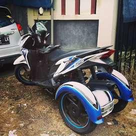 Vario Techno 125 Modif Roda Tiga Low Km Rendah