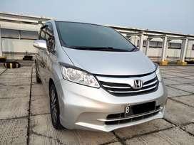 Honda Freed PSD Facelift Tipe E Pemakaian thn 2013 Silver NIK 2012
