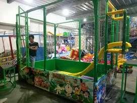 Wahana bermain mandi bola indoor playground odong odong kartun kereta