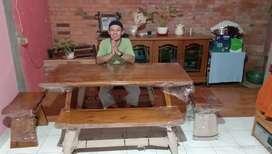 Meja makan kayu trembesi III03