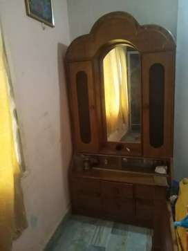Dressing table new condition