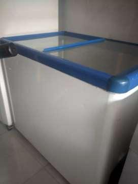 Freezer box LIEBHERR 300 liter