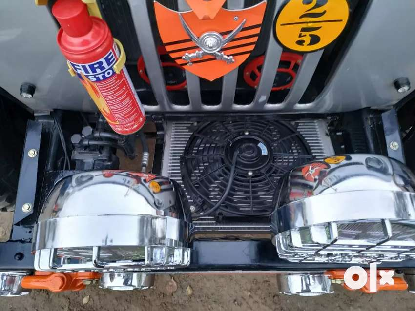 Modified jeep with AC 0