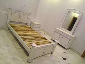 Perl white single Bed Set