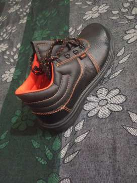 Hill son safety shoes