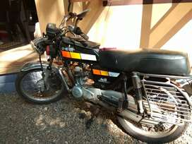 Bajaj Kawasaki 4S chambion .