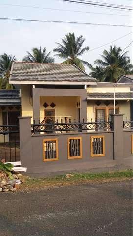 Rumah disewakan di lokasi cluster nyaman dekat RS M. Yunus