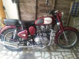 Royal Enfield classic maroon colour fully new and smooth