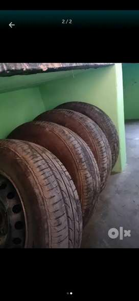 BRISTONE TYRES 14 INCESH tyres  185/70  r14  only 3000 runing tyres