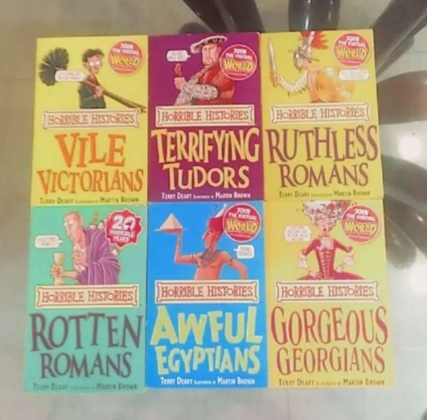 Set of 6 Horrible Histories books 0