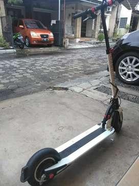 Scooter listrik inokim