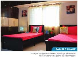 2 sharing male pg  furnished near station chincholi fatak Malad West
