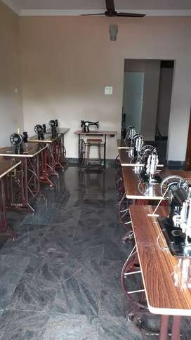 Tailoring machine for sale ( sewing machine)