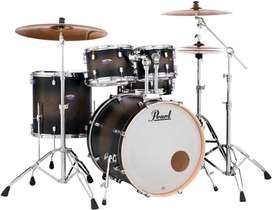 Pearl decade maple satin black burst Drum kit 5 Piece.