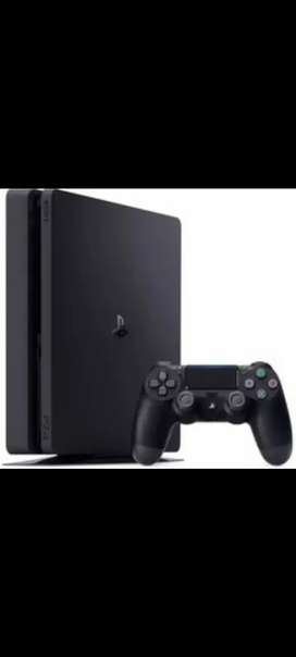 Ps4 slim 1 year old with extra controller