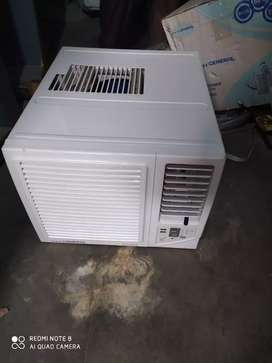 General window AC puna Ton excellent condition