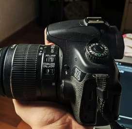 Canon 60D DSLR Camera (Amazing Condition)