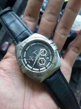 Jam tangan Seamaster titanium