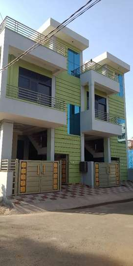 18*50 Corner 3 bhk Duplex Newly constructed villa for sale H block