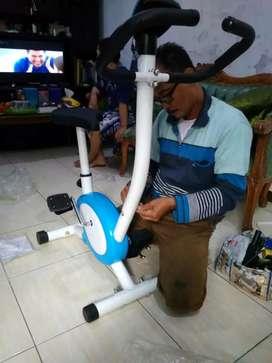 Sepeda statis belt fitnes TOTAL