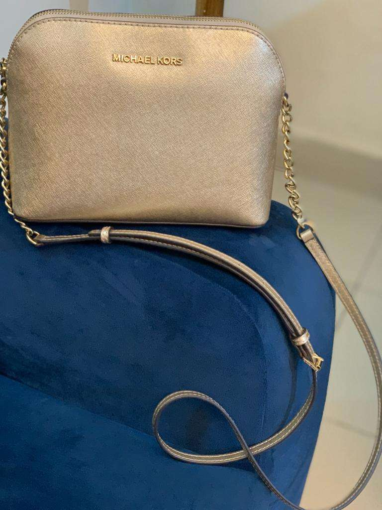 Michael kors cindy dome chain saffiano gold leather cross body bag