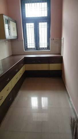 Independent flat for students family boys or girls