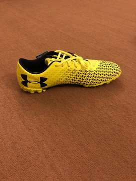 Under Armour football shoes turf