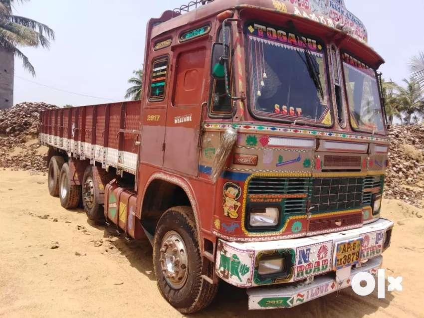 12 Tyre lorry sale 0