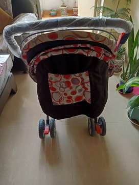 Want sell 6 months old stroller but seems new