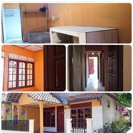Rumah dikontakan 4 kamar &  1 kamarmandi