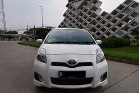Toyota Yaris 1.5 E AT 2013 Facelift Like New!