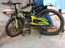 Double suspension, Aluminium wheels, light  weight, .