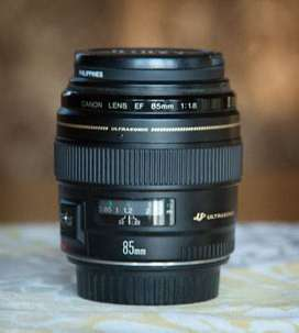 canon 600d with 85mm lens condtion 10/10