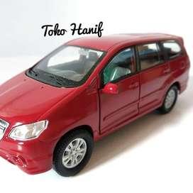 Diecast Miniatur Replika Toyota Kijang Innova