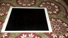 Ipad pro 12.9 inch and apple pencil and negotiable price