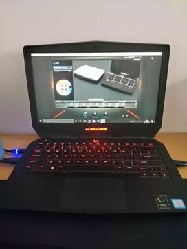 Dell Alienware 13 R2 gaming laptop mirip Asus tuf rog MSI Razer blade