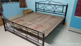 King size bed for 6000