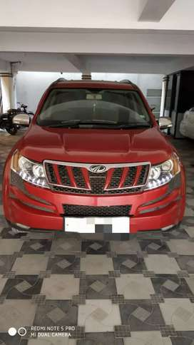 Xuv500 w 8 tope and model