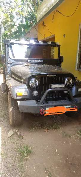 Mahindra jeep full condition vehicle with expensive alloys