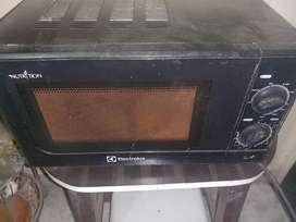 ELECTROLUX MICROWAVE very good