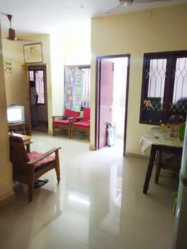 Gopalapuram Lease near DAV school 2 BHK flat Rs- 18 Lac. 3 balcony.