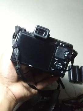 Kamera Nikon Mirrorless V1 Lensa Fix