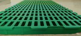 Slatted flooring for CAGE