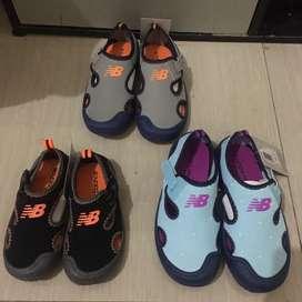 Sepatu sandal new balance original