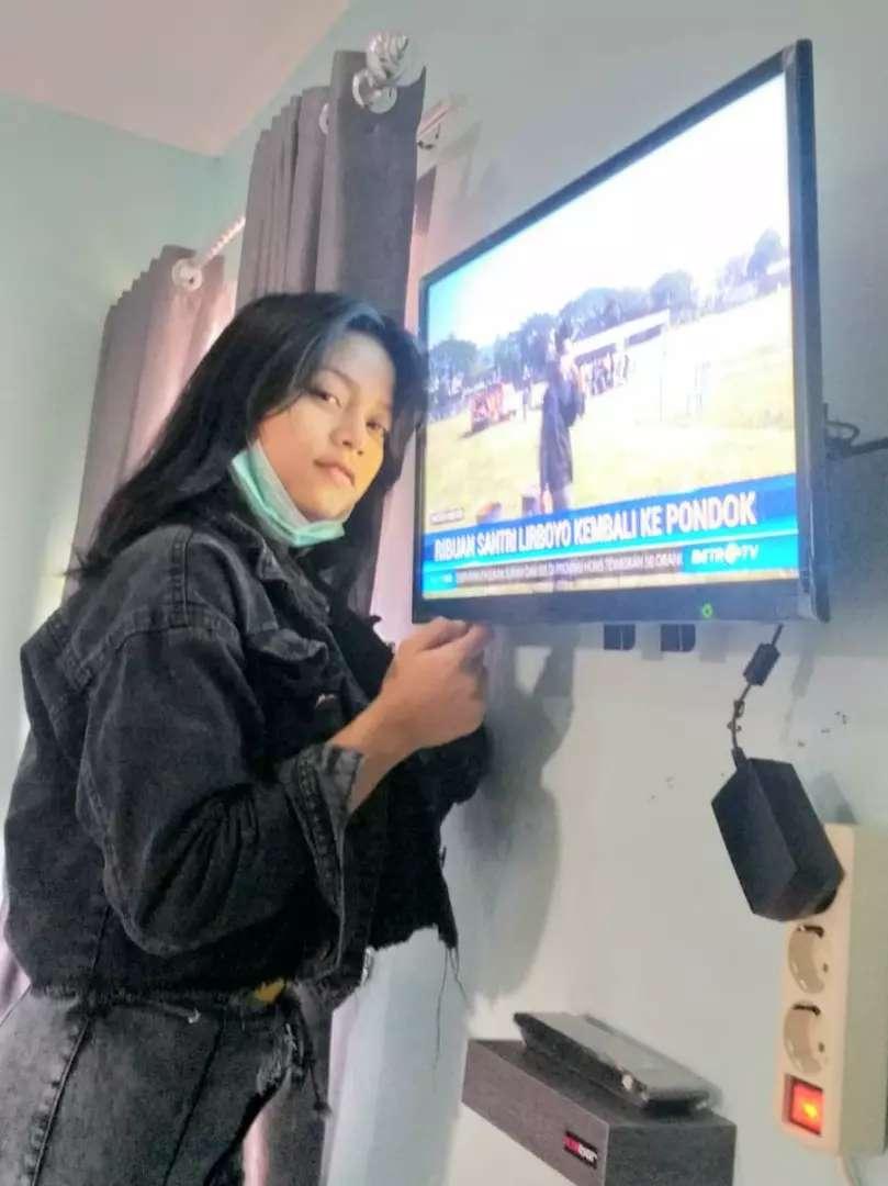 bantu jual pasang bracket buat gantungan tv lcd di tembok rapih nyaman