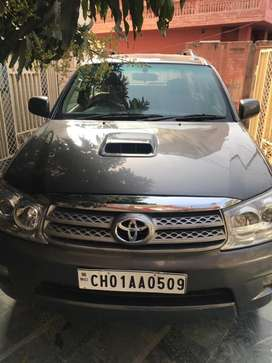 Toyota Fortuner 2.8 AT Celebratory Edition, 2009, Diesel
